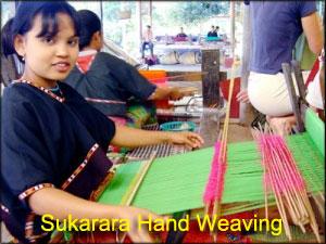 Sukarara-Hand-Weaving